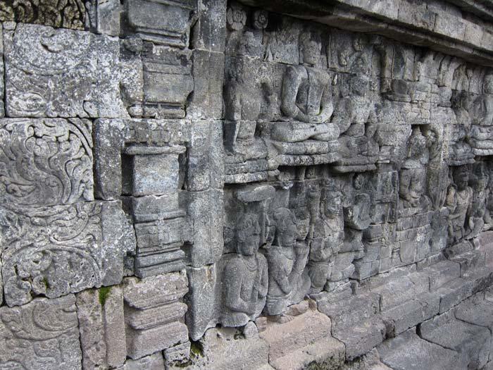relief on borobudur wall