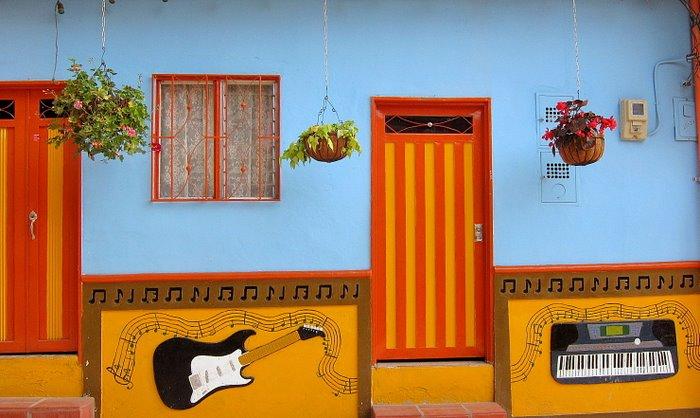 colorful pueblo Colombia